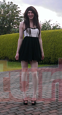 black_and_white_dress_by_mezuki111-d7n7q5u9e720.png